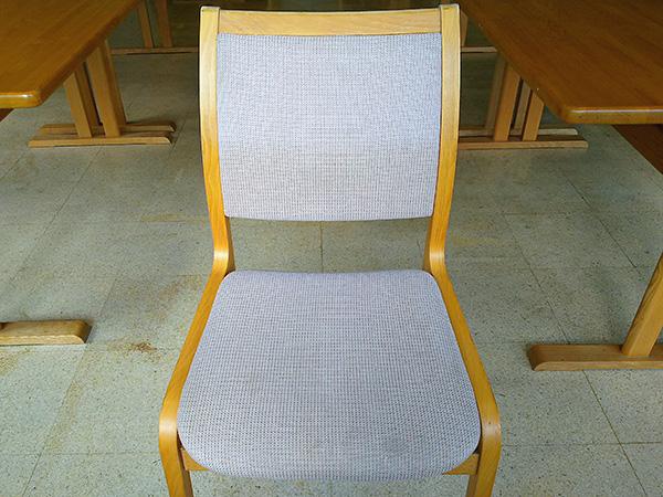 食堂の椅子 クリーニング後
