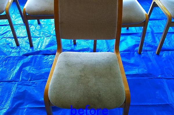 食堂の椅子クリーニング前