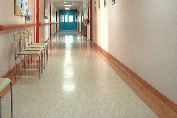 病院、老健施設床清掃