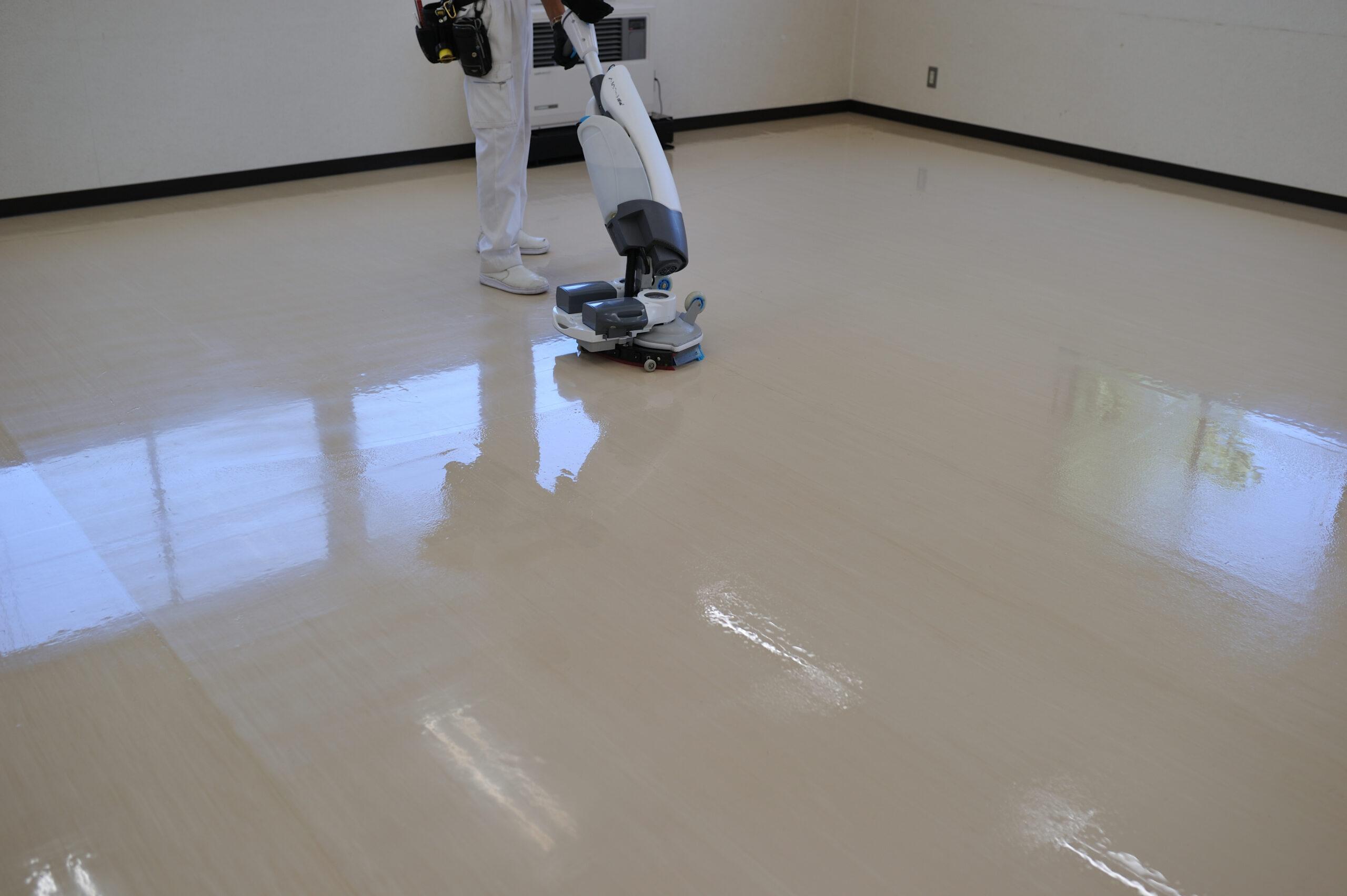 床清掃と除菌